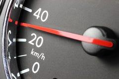 Velocímetro en 30 kilómetros por hora Fotografía de archivo