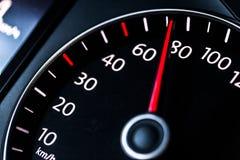 Velocímetro moderno do carro Feche acima do tiro do foto de stock royalty free