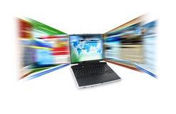 Velocidad del Internet de la computadora portátil imagenes de archivo