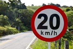 Velocidad reguladora del tablero en el camino 20 5140 Imagenes de archivo