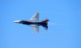Velocidad supersónica que alcanza de la marina F-14 Foto de archivo libre de regalías