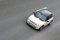 Velocidade britânica minuciosa pequena do carro fotos de stock royalty free