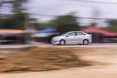 Velocidade da filtração do carro na estrada, Tailândia Ásia Foto de Stock