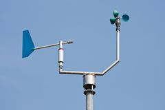 Velocidade do vento e sentido de medição do anemómetro Imagens de Stock