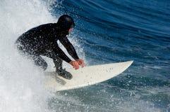 Velocità praticante il surfing fotografie stock