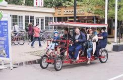 Velomobile在Sokolniki公园在莫斯科, 2016年5月21日 库存图片