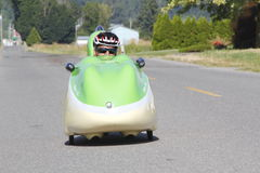 Velomobile o bicicleta reclinada Imágenes de archivo libres de regalías