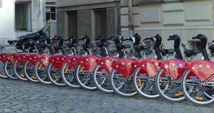Velov自助自行车在利昂法国 股票视频