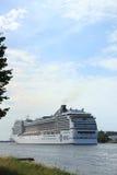 Velsen, Нидерланды, 7-ое июля 2014: MSC Magnifica Стоковое Фото