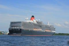 Velsen, los Países Bajos - 5 de junio de 2017: Reina Victoria, Cunard Fotos de archivo libres de regalías