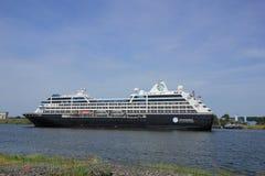 Velsen, los Países Bajos - 21 de junio de 2017: Viaje de Azamara - travesías del club de Azamara Foto de archivo libre de regalías