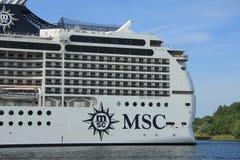 Velsen Nederländerna, Juli 7th, 2014: MSC Magnifica Royaltyfri Bild