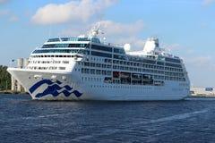 Velsen, Nederland - 17 Juli 2018: Vreedzame die Prinses door Prinses Cruises en P&O-Cruises Australië in werking wordt gesteld stock afbeeldingen