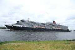 Velsen, Paesi Bassi - 7 giugno 2017: Regina Victoria, Cunard Fotografia Stock Libera da Diritti