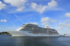 Velsen, Pays-Bas - 16 juin 2017 : Explorateur de sept mers - Regent Cruises photographie stock