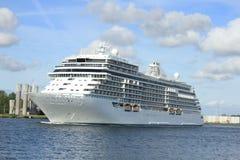 Velsen, Pays-Bas - 16 juin 2017 : Explorateur de sept mers - Regent Cruises photo libre de droits