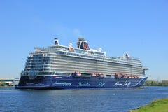Velsen, Pays-Bas - 7 mai 2018 : Mein Schiff 1 TUI Cruises Maiden Voyage photographie stock libre de droits