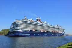 Velsen, Pays-Bas - 7 mai 2018 : Mein Schiff 1 TUI Cruises Maiden Voyage image stock