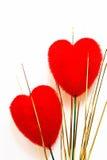 Veludo dois vermelho heart-shaped fotos de stock royalty free