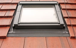 Velux Dach-Leuchte auf Fliesen Lizenzfreie Stockfotos