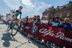 Venaria Reale, Italie le 25 mai 2018 : Davide Formolo, Bora Hansgrohe Team, dans le transfert à partir de l'autobus aux signature photographie stock