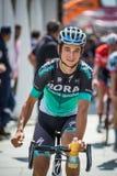 Venaria Reale, Italie le 25 mai 2018 : Davide Formolo, Bora Hansgrohe Team, dans le transfert à partir de l'autobus aux signature images stock