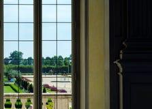 Venaria-reale, Piemont-Region, Italien Juni 2017 Ein Blick heraus auf den majestätischen Gärten des Palastes Lizenzfreie Stockbilder