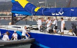 Vencedor da 46th regata de Barcolana em Trieste imagem de stock