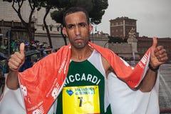 Vencedor de Jamel Chatbi do terceiro lugar na maratona de 21 Roma Imagens de Stock