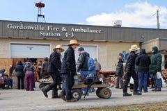 Venda da lama de Amish no quartel dos bombeiros fotos de stock royalty free