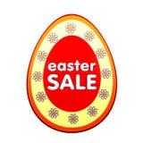 Venda de Easter na etiqueta vermelha da forma do ovo com flores Fotos de Stock Royalty Free