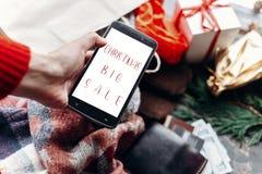Venda grande do Natal texto especial do disconto da oferta do Natal no pho Fotografia de Stock Royalty Free