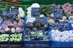 Venda Naschmarkt Viena dos vegetais de raiz r Foto de Stock Royalty Free