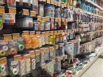 Venda no centro de negócios de produtos dos artigos de papelaria Imagem de Stock Royalty Free