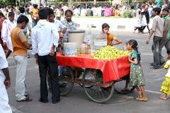 Vendedor ambulante indio Foto de archivo libre de regalías