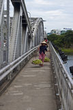 Vendedor ambulante no identificado foto de archivo libre de regalías