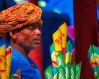 Vendedor ambulante no surajkund imagem de stock