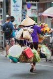 Vendedor ambulante vietnamita de la calle Imagen de archivo