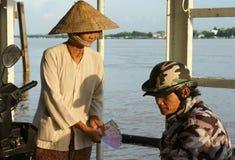 Vendedor asiático del boleto de lotería Fotografía de archivo