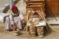 Vendedor da cesta de Stree Fotos de Stock Royalty Free