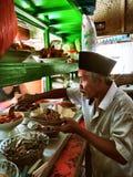 Vendedor de alimento da rua Fotos de Stock Royalty Free