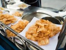 Vendedor de alimento friável tailandês da rua do roti imagens de stock
