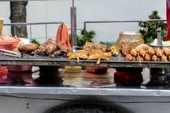 Vendedor de alimento tailandês da rua em Banguecoque imagem de stock royalty free