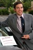 Vendedor de coche usado Imagen de archivo libre de regalías