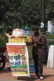 Vendedor de comida de la calle imágenes de archivo libres de regalías