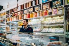 Vendedor de dulces turcos imagen de archivo libre de regalías