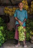 Vendedor de la fruta del plátano en Kerala imagen de archivo