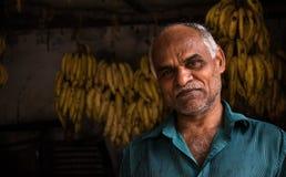 Vendedor de la fruta del plátano en Kerala imagen de archivo libre de regalías