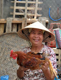 Vendedor de las aves de corral, Hoi, Vietnam Foto de archivo libre de regalías
