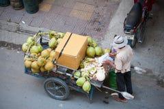 Vendedor del coco, Camboya Fotografía de archivo libre de regalías